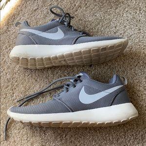 Nike Roshe Ones